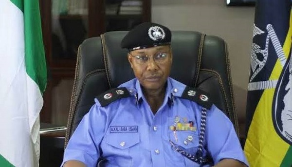 Senate panel to recommend breakup of police operations •IG to lose some powers over deployment, funding •Members fail to agree on state police